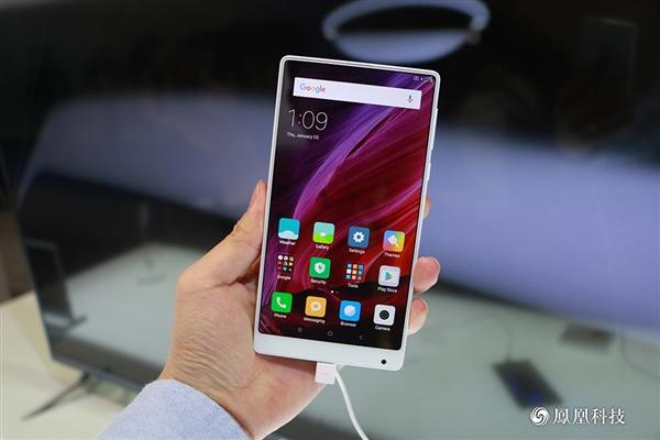 Xiaomi Mi Mix Putih Hadir di CES 2017