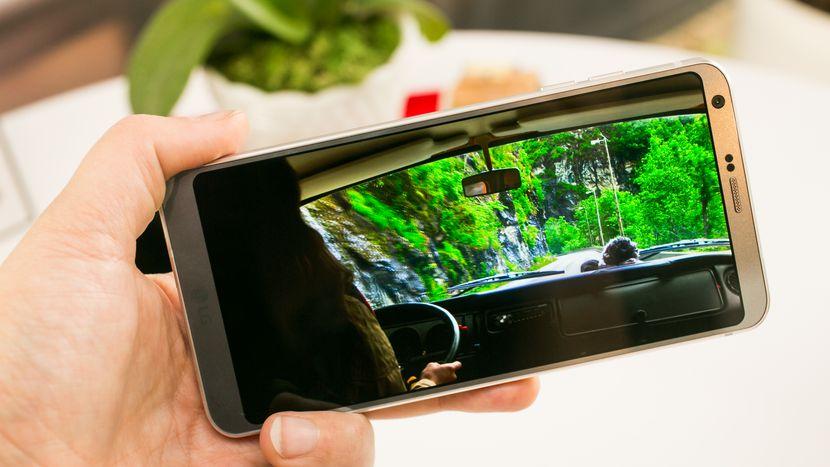 OEM Mana yang Mendistribusikan Update Android Nougat Paling Cepat?